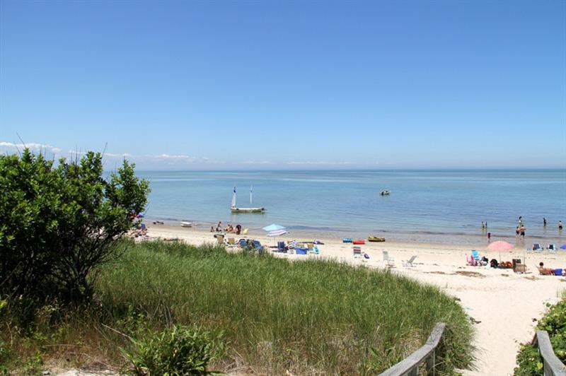 91 Abby Road Bay Beach b