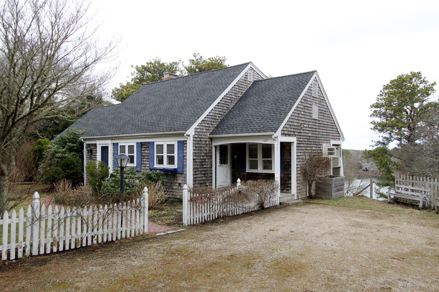 barnstable mature singles For sale: 3 bed, 2 bath ∙ 1540 sq ft ∙ 35 spice ln, barnstable, ma 02655 ∙ $675,000 ∙ mls# 72236173 ∙ this immaculate archibald built remodeled home is located near the village and dowses beach i.